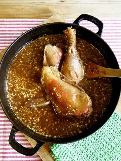 Høne i brun saus