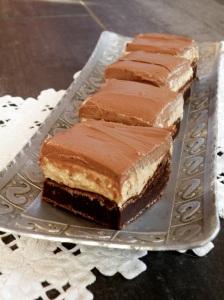 Brownie med peanøttfyll